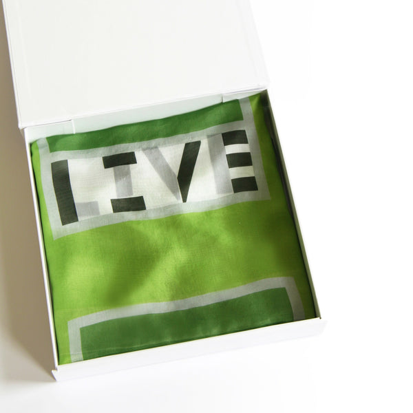 in-a-word scarf: LIVE - mooizeg