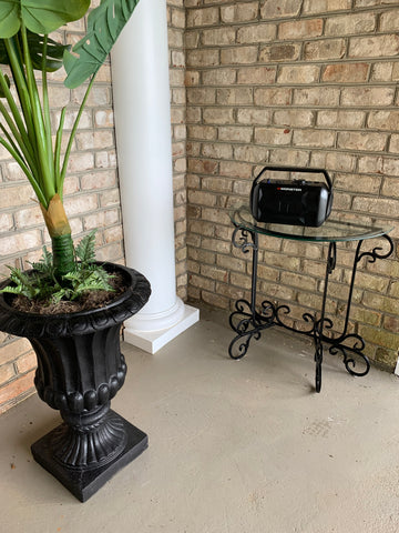 metal table makeover for Plantation back porch