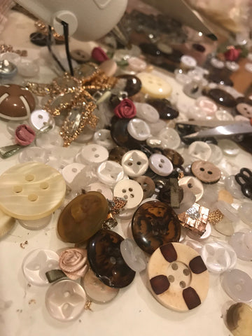 vintage buttons for crafting