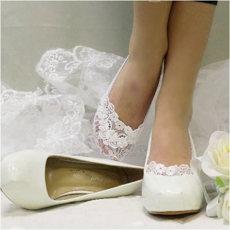 ENCHANTING lace wedding socks -  white
