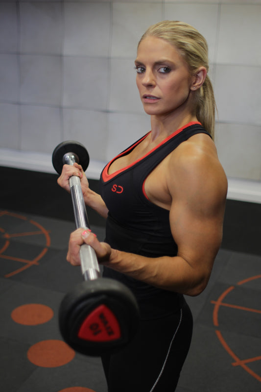Claire Aves Bicep Curl