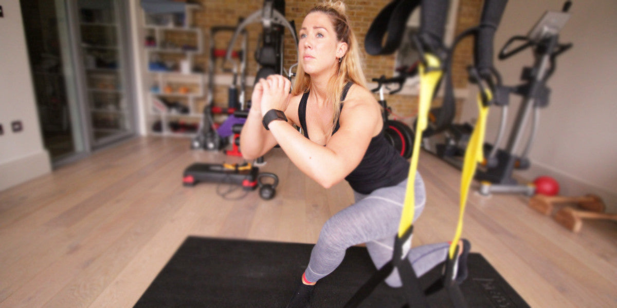 How To Perform A Curtsy Lunge Exercise Personal Trainer Sundried