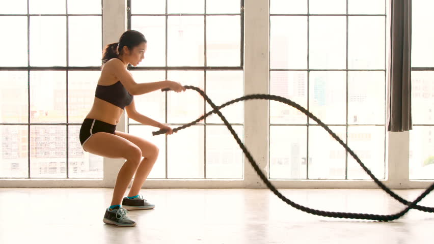 battle ropes workout shoulders