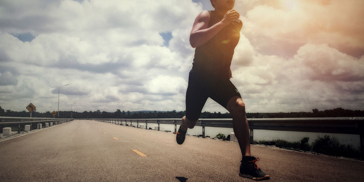 man sprinting running fast lactate threshold