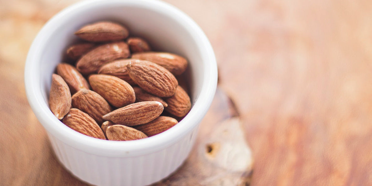 nuts almonds healthy fats lifestyle fitness weight loss