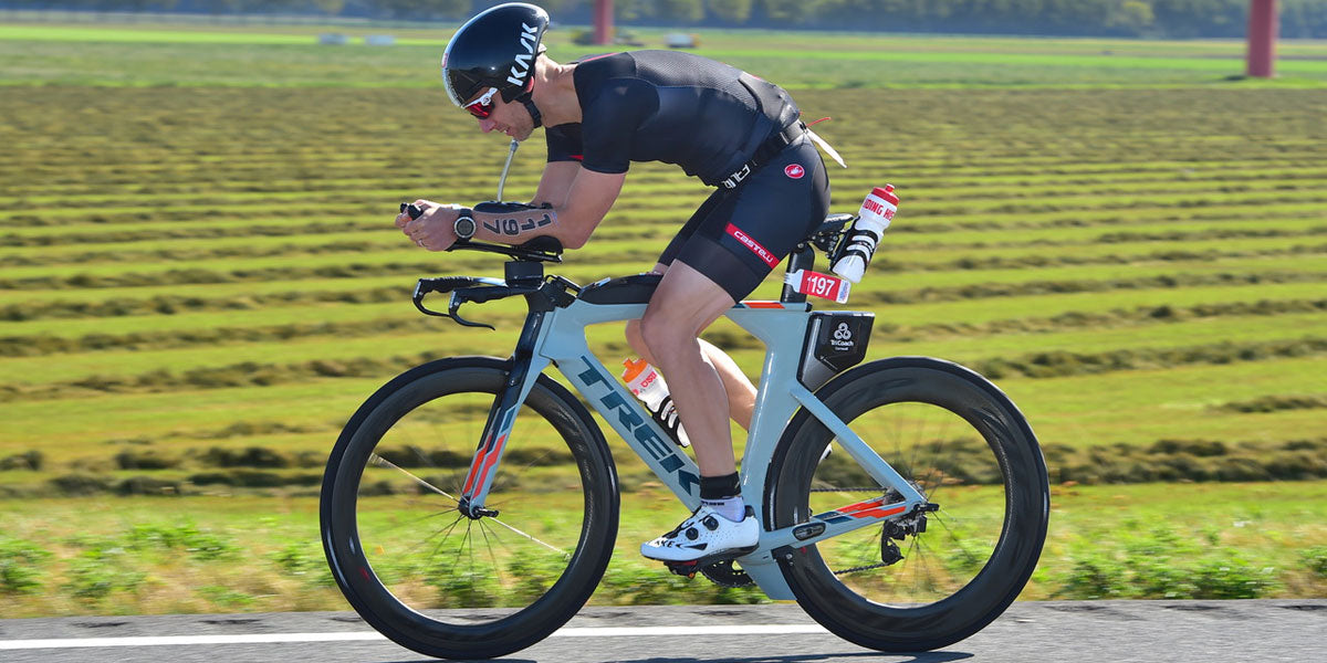 triathlete cycling aero bike