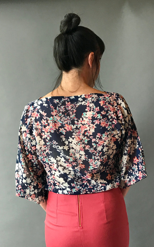 Veloria Top in Navy Floral