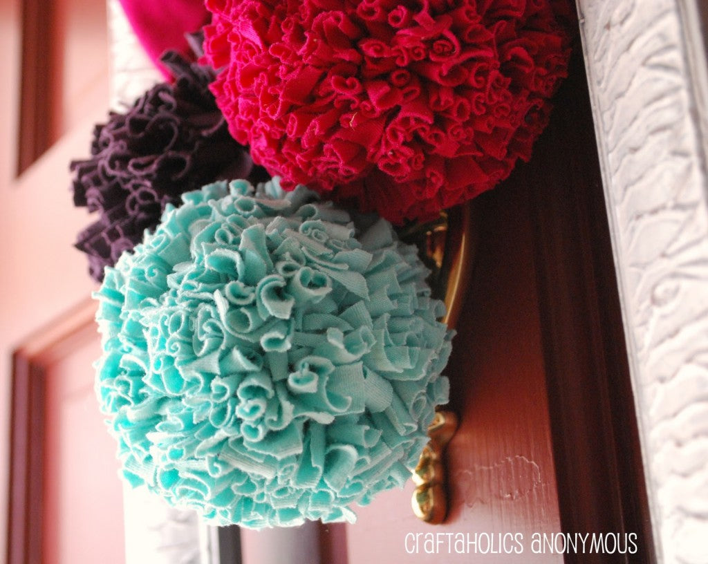 Pom poms from upcycled tshirts