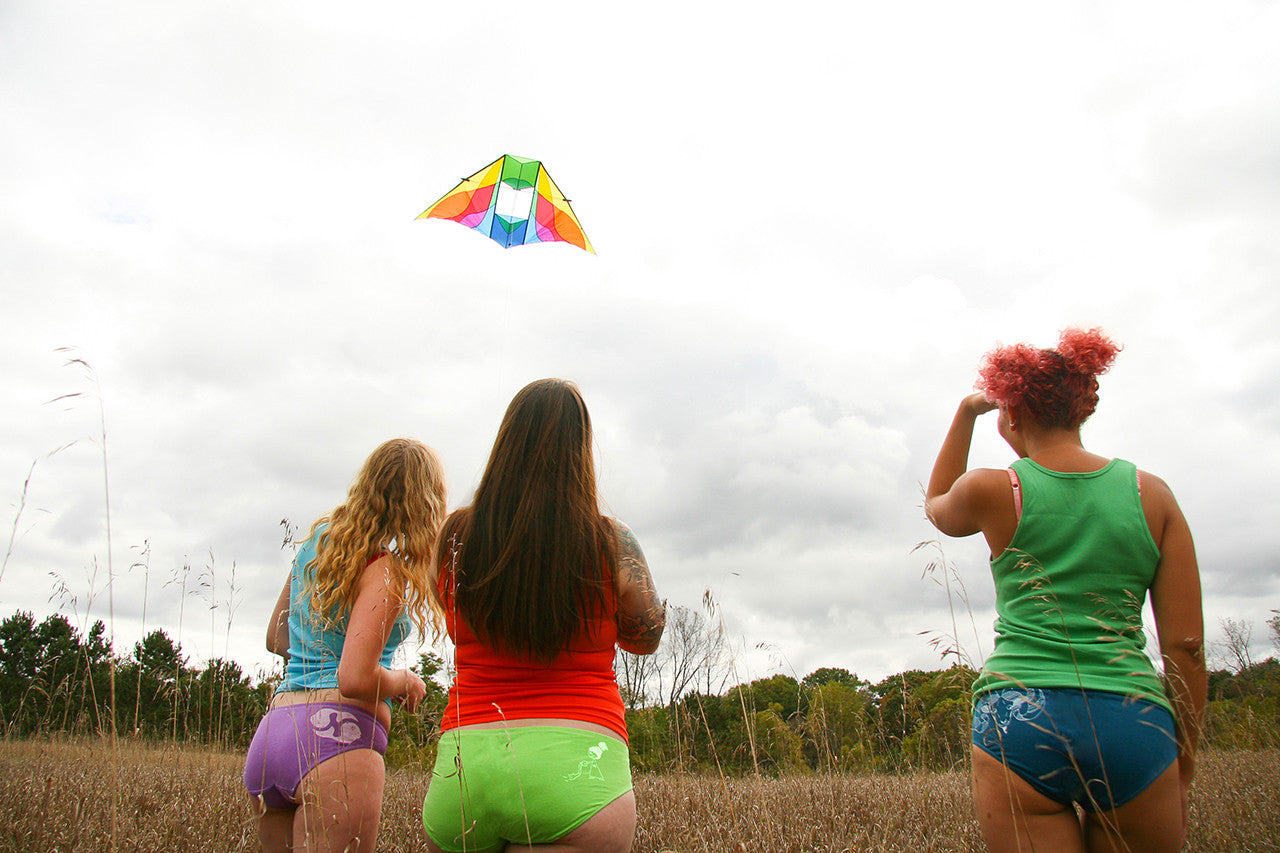Flying a kite in Upitees by La Vie en Orange