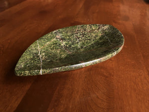 Leaf Stone Dish- Rainforest Green Serpentine by Gary DuBois