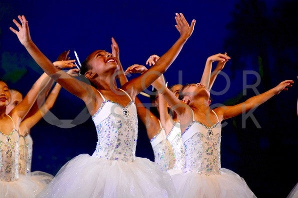 Diverse youth ballet dancers - Colorstock™  © Anna-Rhesa Versola  - diverse stock photos