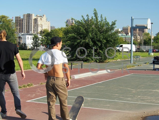 Skateboarders in city park - 3, Jenifer Daniels - Colorstock: diverse stock photos