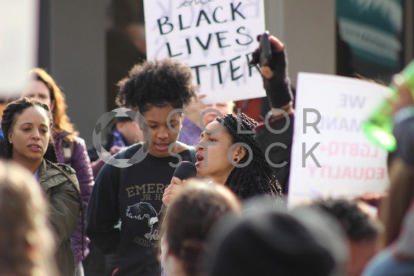 Young women speaking at peaceful rally, Bereket Kelile - Colorstock: diverse stock photos
