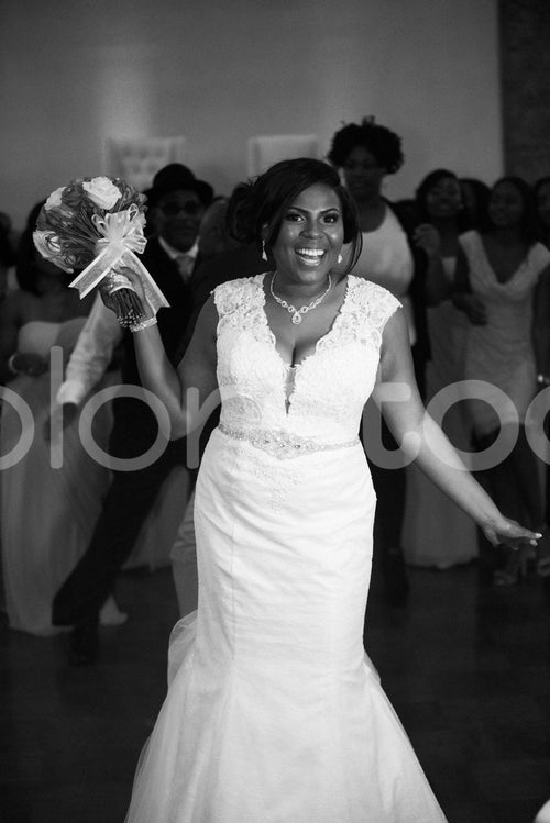 Bride throwing the bouquet - Colorstock™  © Integrative Flash  - diverse stock photos