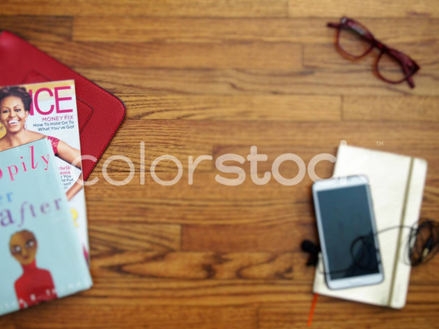 Podcast ready desktop - Colorstock™  © Jenifer Daniels  - diverse stock photos