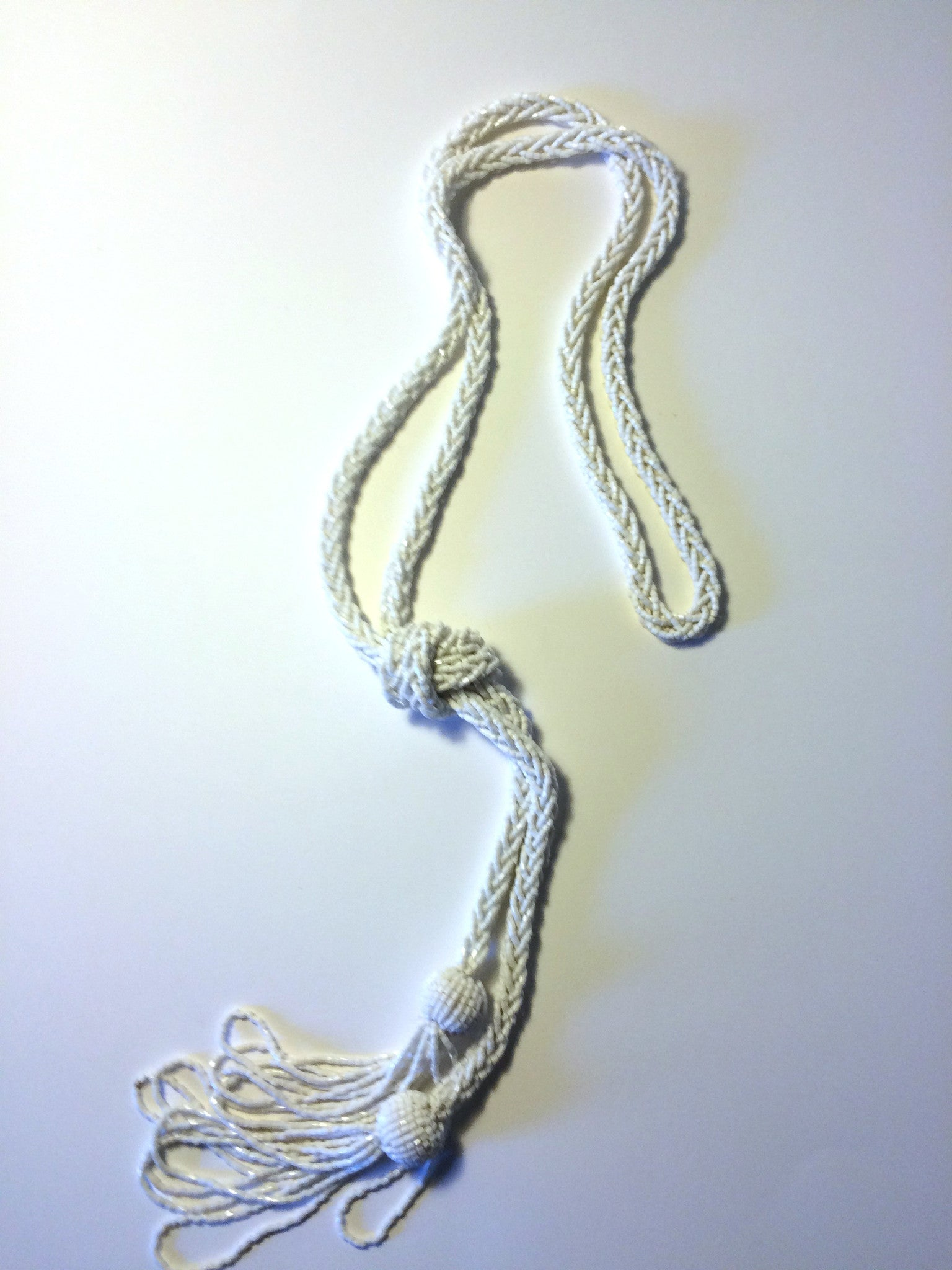 Vintage White Bead necklace. A gorgeous example of exquisite bead-weaving