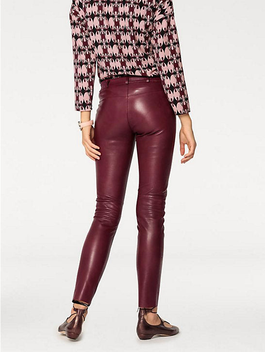 Leather trousers in 4 colours!