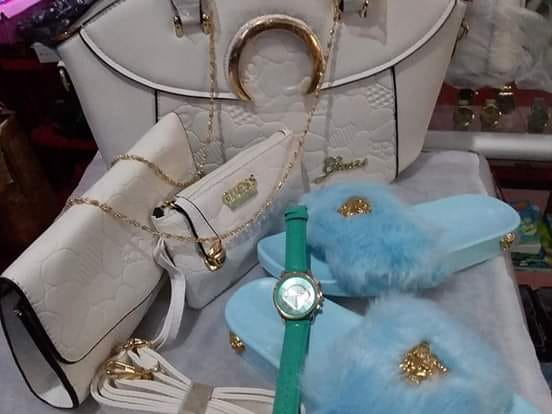 Handbags, Slippers, watches for sale as sets!Direct Seller, Suriname