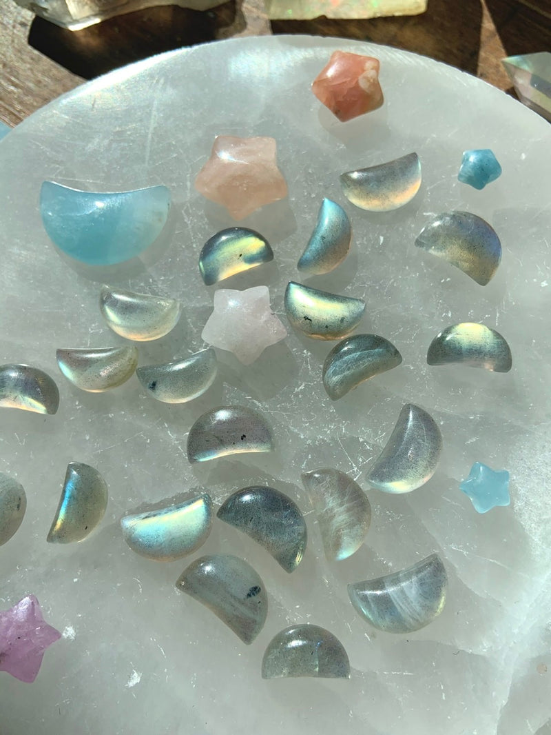 Flashy LABRADORITE MINI MOONS