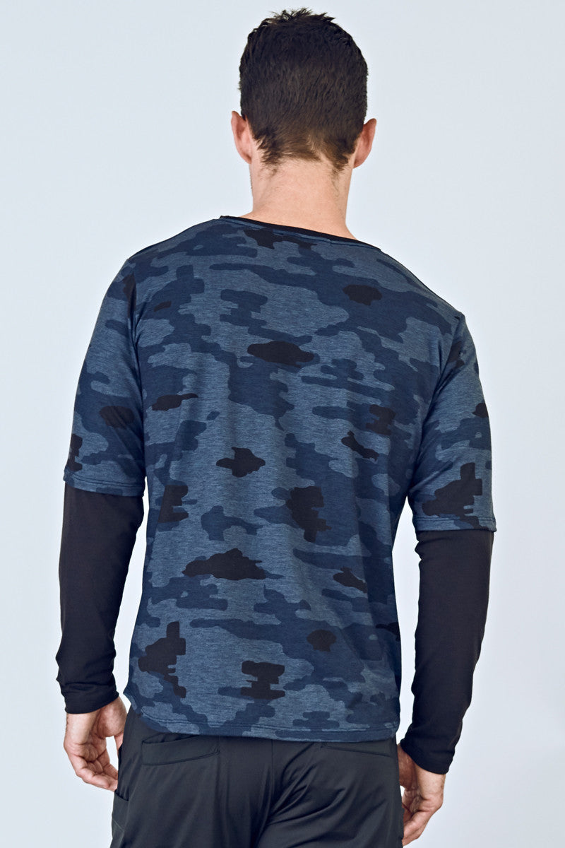 7fcf6116 ... EYSOM Men's Navy Camouflage and Black Long-Sleeve Foundation Scoop Neck  Tee ...