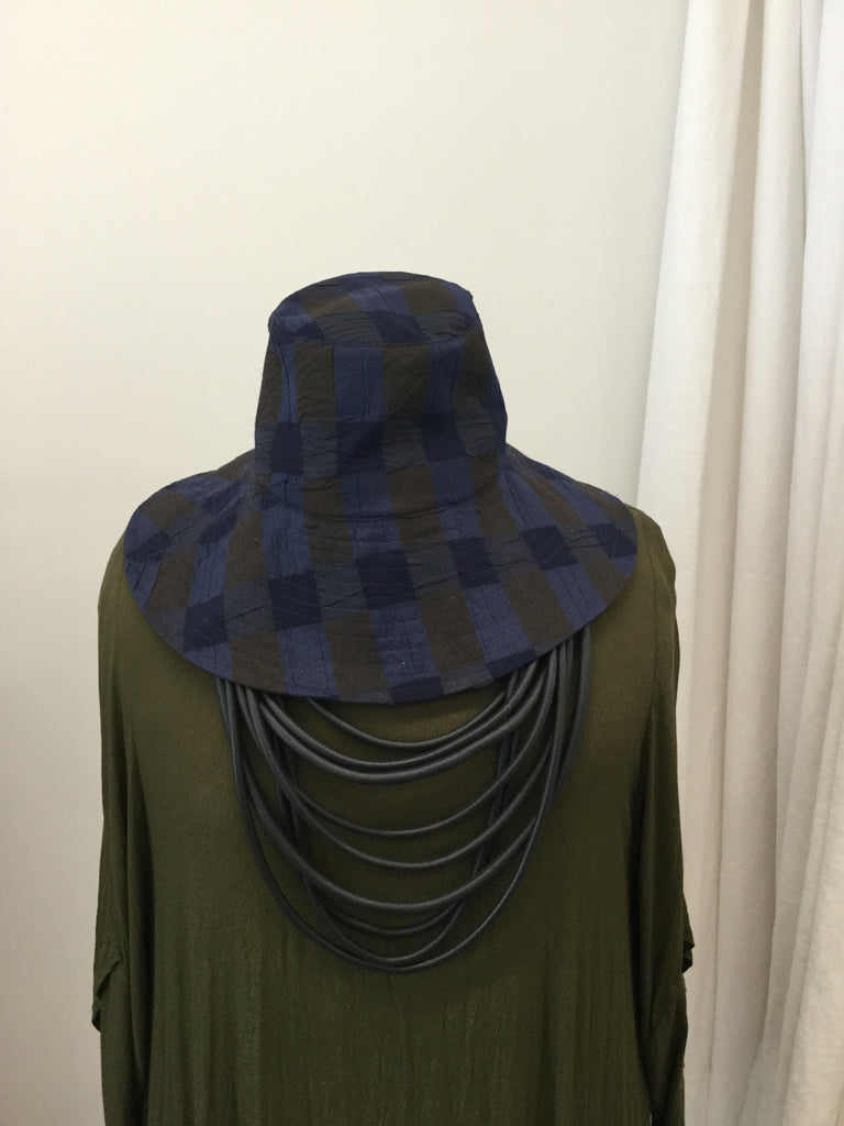 Crinkle Check Hat