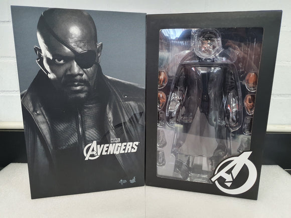 THE AVENGERS NICK FURY 1/6TH SCALE LIMITED EDITION COLLECTABLE HOT TOY FIGURINE