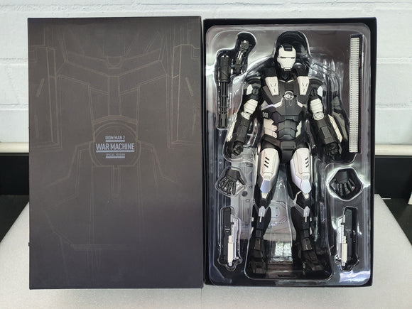 IRON MAN 2 WAR MACHINE (SPECIAL VERSION) 1/6TH SCALE LIMITED EDITION COLLECTABLE HOT TOY FIGURINE