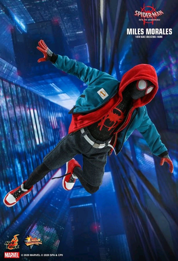 Spider-Man: Into the Sider-Verse - Miles Morales 1:6 Scale 12