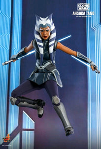 "Star Wars: The Clone Wars - Ahsoka Tano 1:6 Scale 12"" Hot Toy Action Figure"