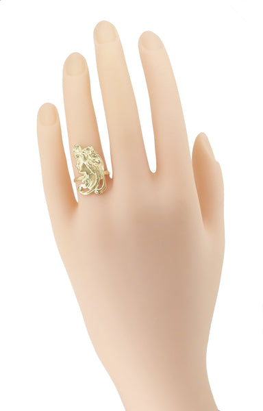 Art Nouveau Lady Ring in 14 Karat Yellow Gold - Item: R140 - Image: 1
