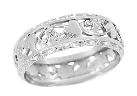 Edwardian Flowers and Hearts Scalloped Filigree Wedding Band in 14 Karat White Gold