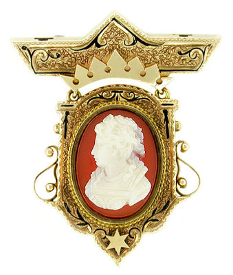 Antique Victorian Etruscan Revival Hardstone Cameo Brooch in 9 Karat Yellow Gold