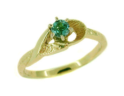 Aquamarine Solitaire Vintage Ring in 14 Karat Gold
