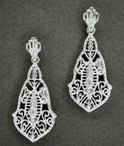 Heirloom Art Deco Filigree Dangling Diamond Earrings in 14 Karat White Gold