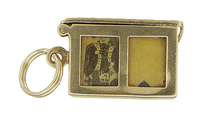 Opening Movable Deck of Cards Charm in 14 Karat Gold - Item: C367 - Image: 3
