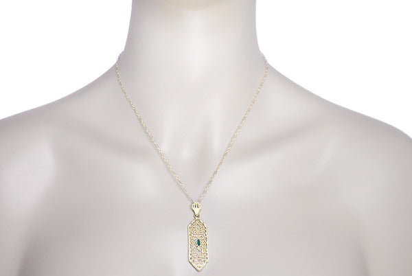 Art Deco Filigree Emerald Lavalier Pendant  Necklace in 14 Karat Yellow Gold - Item: NV208 - Image: 2