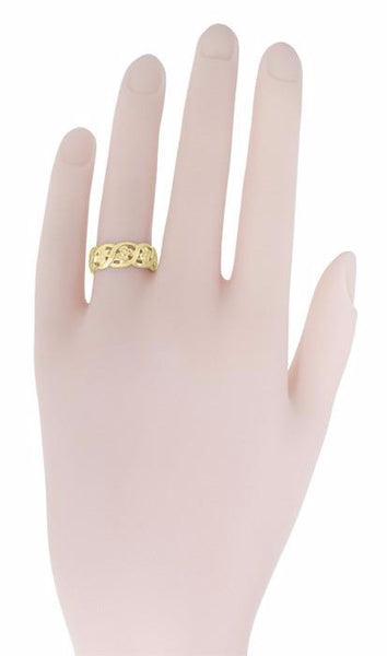 Scrolls and Pansy Flowers Mid Century Filigree Wedding Ring in 14K Yellow Gold - Item: R1114Y - Image: 2