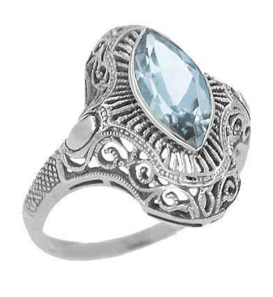 Art Deco Aquamarine Filigree Cocktail Ring in 14 Karat White Gold - Item: R1130 - Image: 1