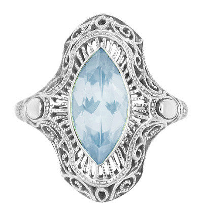 Art Deco Aquamarine Filigree Cocktail Ring in 14 Karat White Gold