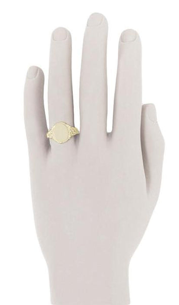 Engraved Scrolls Oval Victorian Signet Ring in 14 Karat Yellow Gold - Item: R1141Y - Image: 3