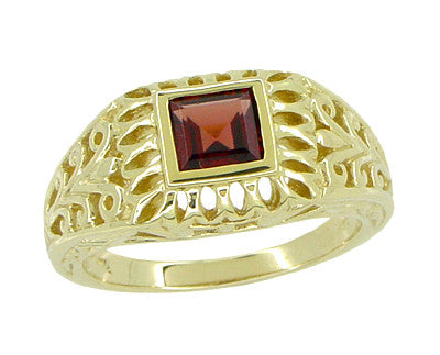 Art Deco Egyptian Motif Filigree Garnet Ring in 14 Karat Yellow Gold