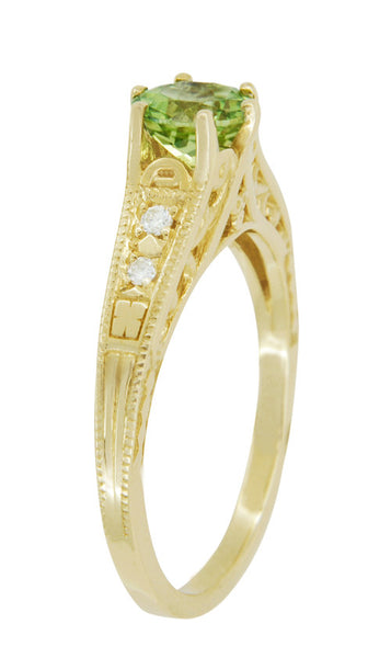 Art Deco Filigree Peridot and Diamond Engagement Ring in 14 Karat Yellow Gold - Item: R158YPER - Image: 2