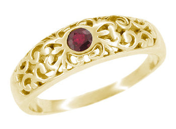 Edwardian Filigree Ruby Ring in 14 Karat Yellow Gold