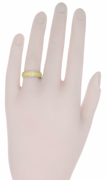 Art Deco Floral Wedding Ring in 18 Karat Yellow Gold - Item: R238Y - Image: 1