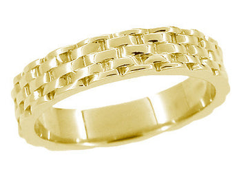 Vintage Style Basket Weave Wedding Band in Yellow Gold