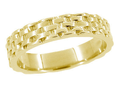Basket Weave Wedding Band in 14 Karat Yellow Gold - Size 6