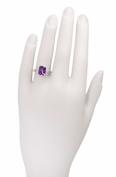 Art Deco Flowers and Leaves Amethyst Filigree Ring in 14 Karat White Gold - Item: R324 - Image: 2