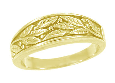 Mid Century Modern Sculptural Engraved Olive Leaves Ring in 14 Karat Yellow Gold