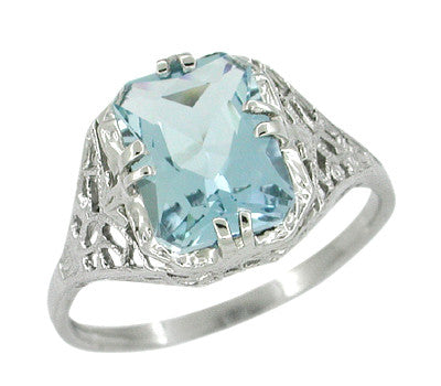 Art Deco Filigree Aquamarine Ring in Platinum