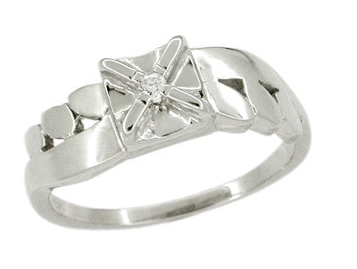 Flowing Vintage Retro Moderne Diamond Ring in 14 Karat White Gold - Illusion Setting